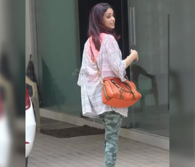 Genelia D'Souza very rarely there are spots in front of the camera, they run away from the actress - limelight