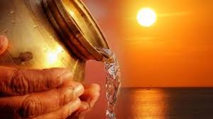 हर रोज सुबह सूर्य को जल देने से बन सकते हैं धनवान जाने की सही विधि क्या है  - Sabkuchgyan